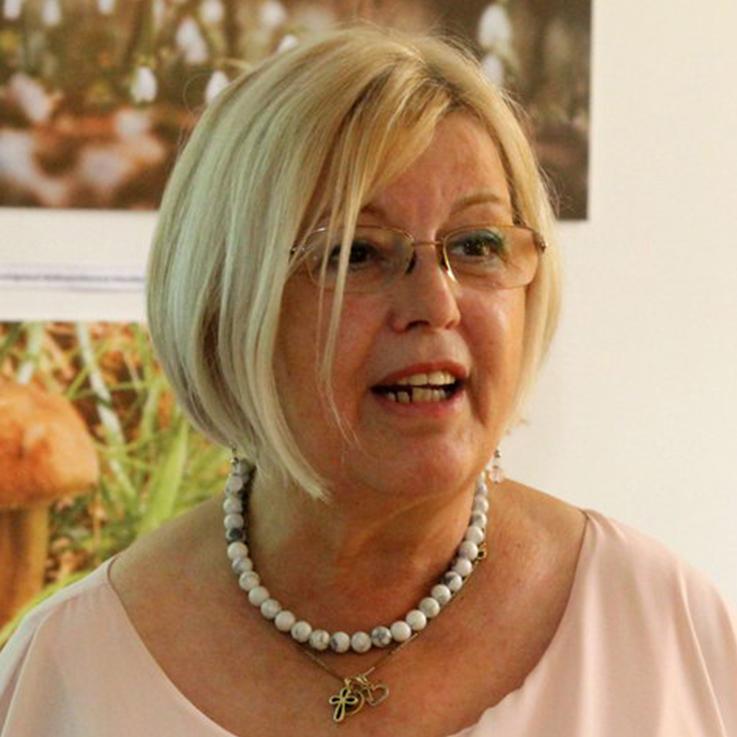 Dr. Gelléri Julianna